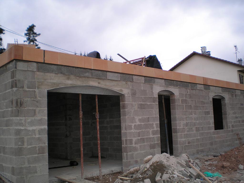 1er rang de briques sur sous-sol